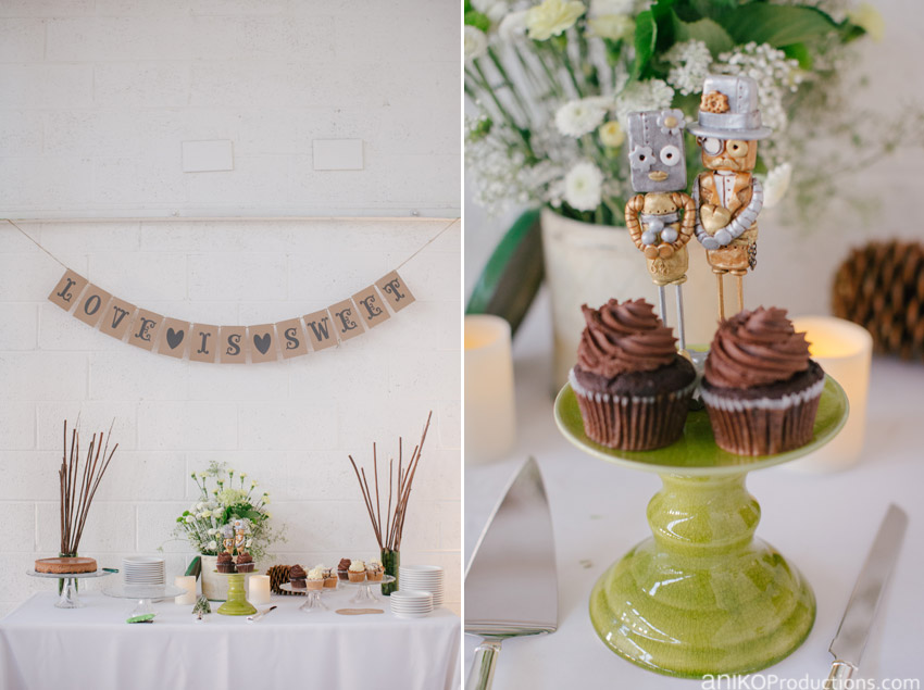 yale-union-wedding-photos-dessert-papa-haydn-robot-toppers