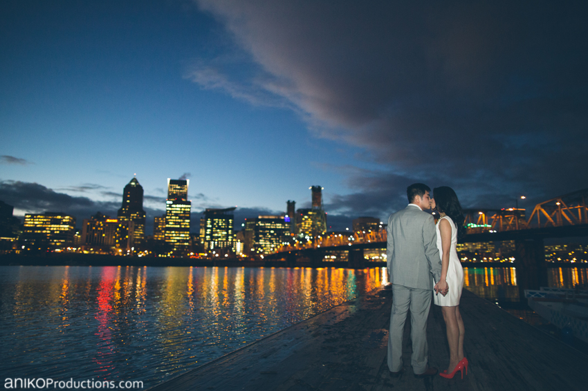 portland-downtown-waterfront-engagement-photos-night-skyline-cityscape