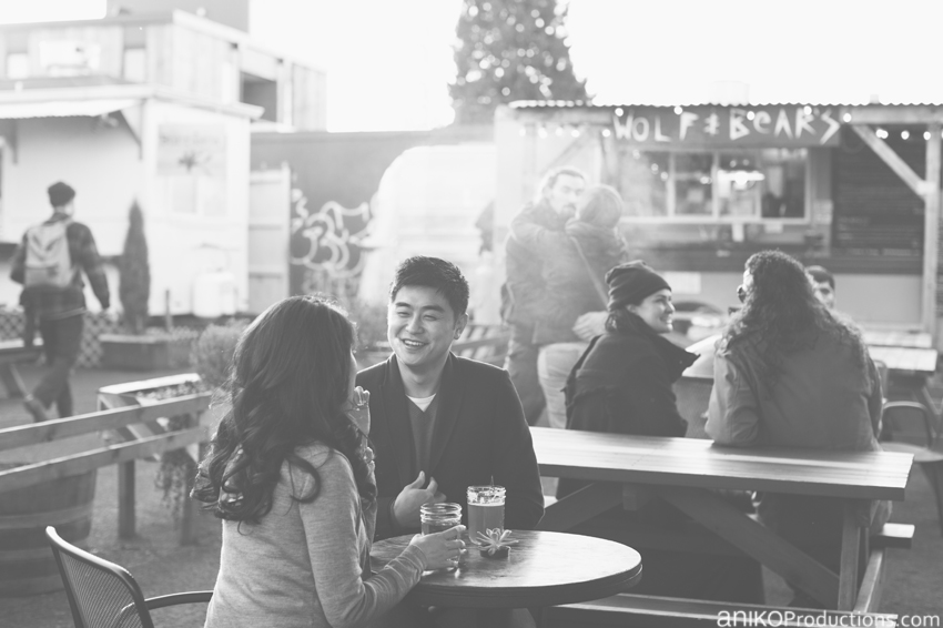 portland-lunch-trunk-beer-engagement-photos8