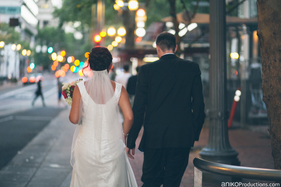 portland-oregon-wedding-photos-downtown-the-nines-hotel-urban-farmer1