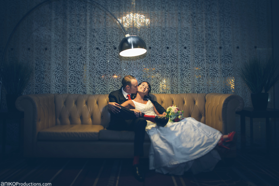 portland-oregon-wedding-photos-downtown-the-nines-hotel-urban-farmer5