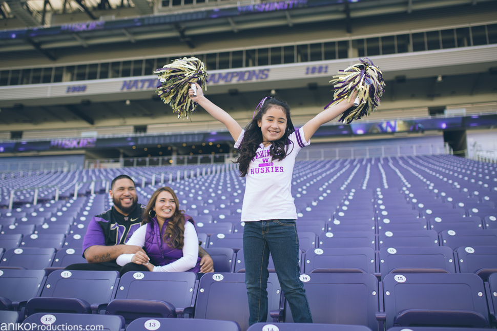 husky-seattle-engagement-photos-football-university-washington-campus1