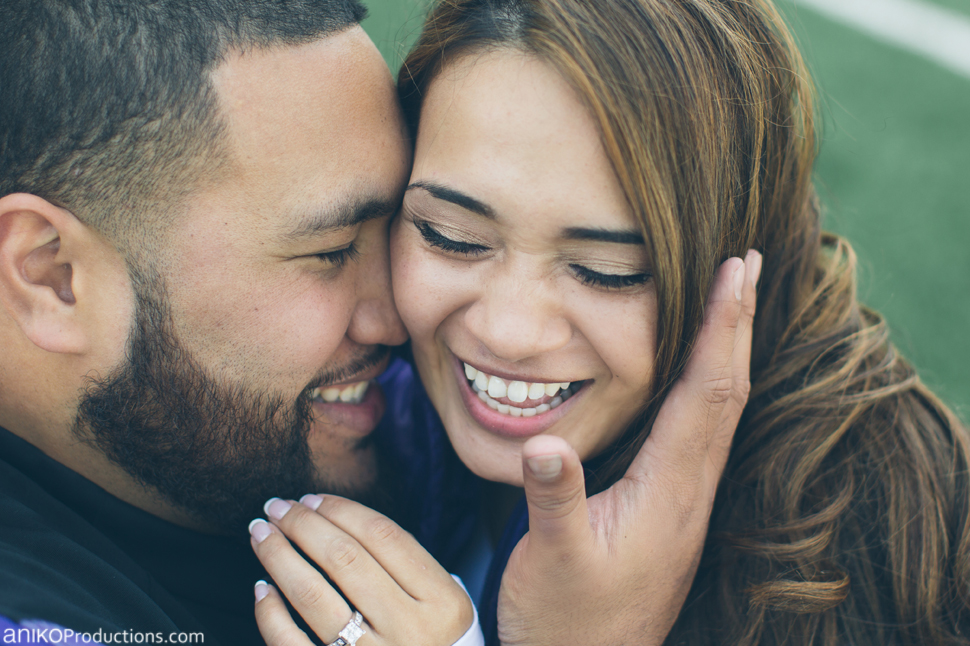 husky-seattle-engagement-photos-football-university-washington-campus12