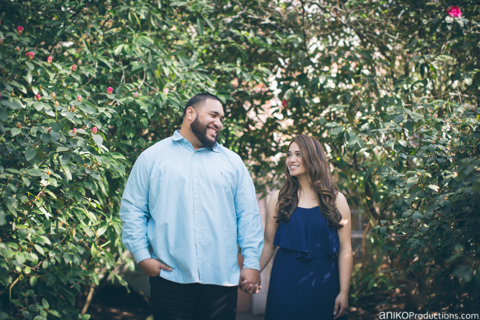 husky-seattle-engagement-photos-football-university-washington-campus18