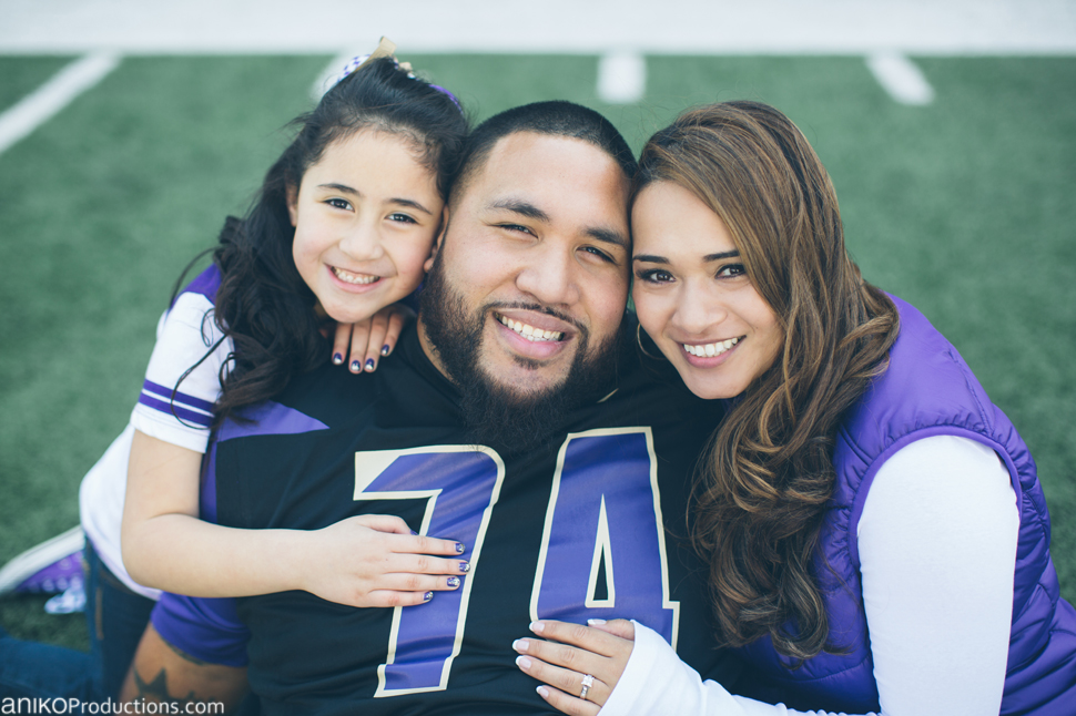 husky-seattle-engagement-photos-football-university-washington-campus9
