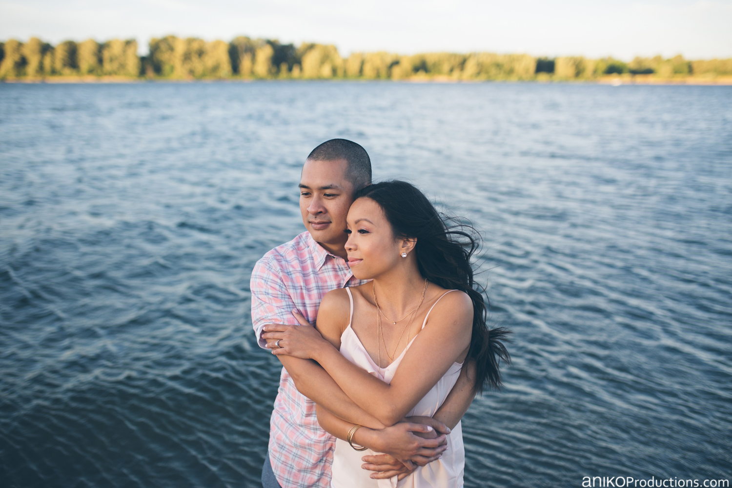 sauvie-island-engagement-photo-beach