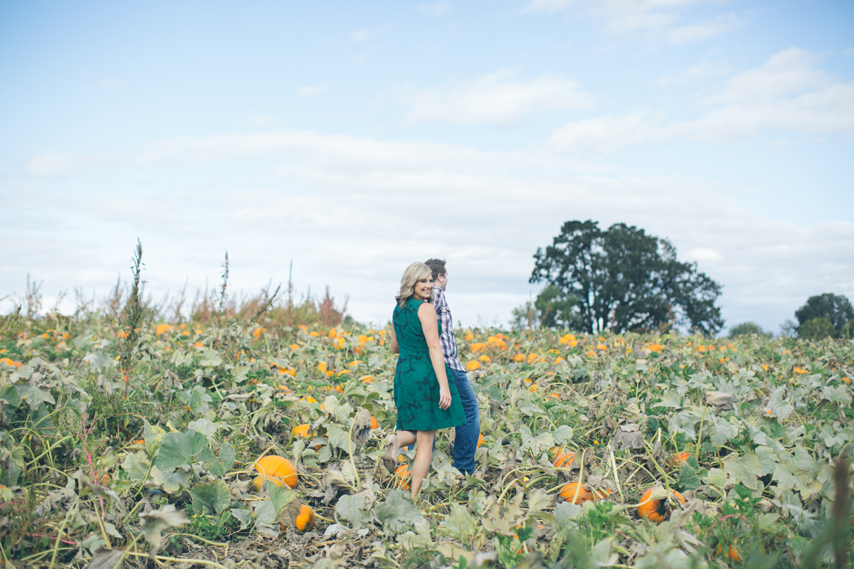 sauvie-island-engagement-photos4b