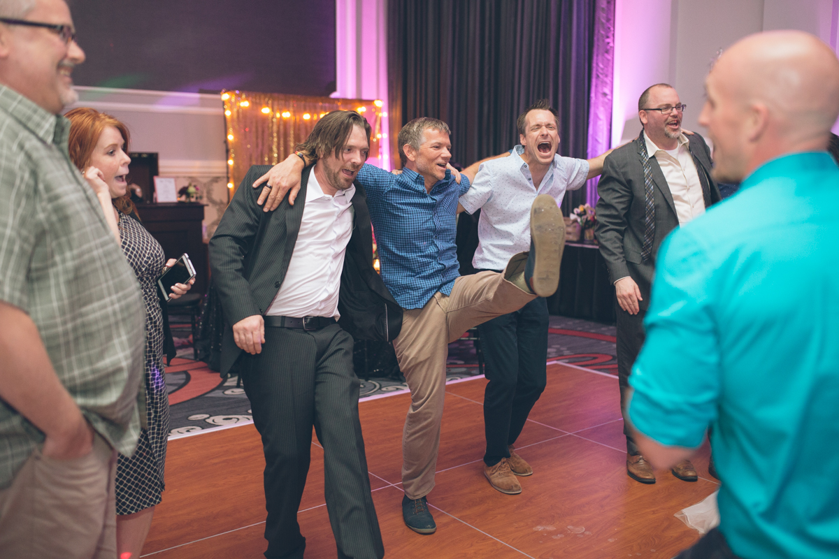 wedding-portland-embassy-suites-photographers191