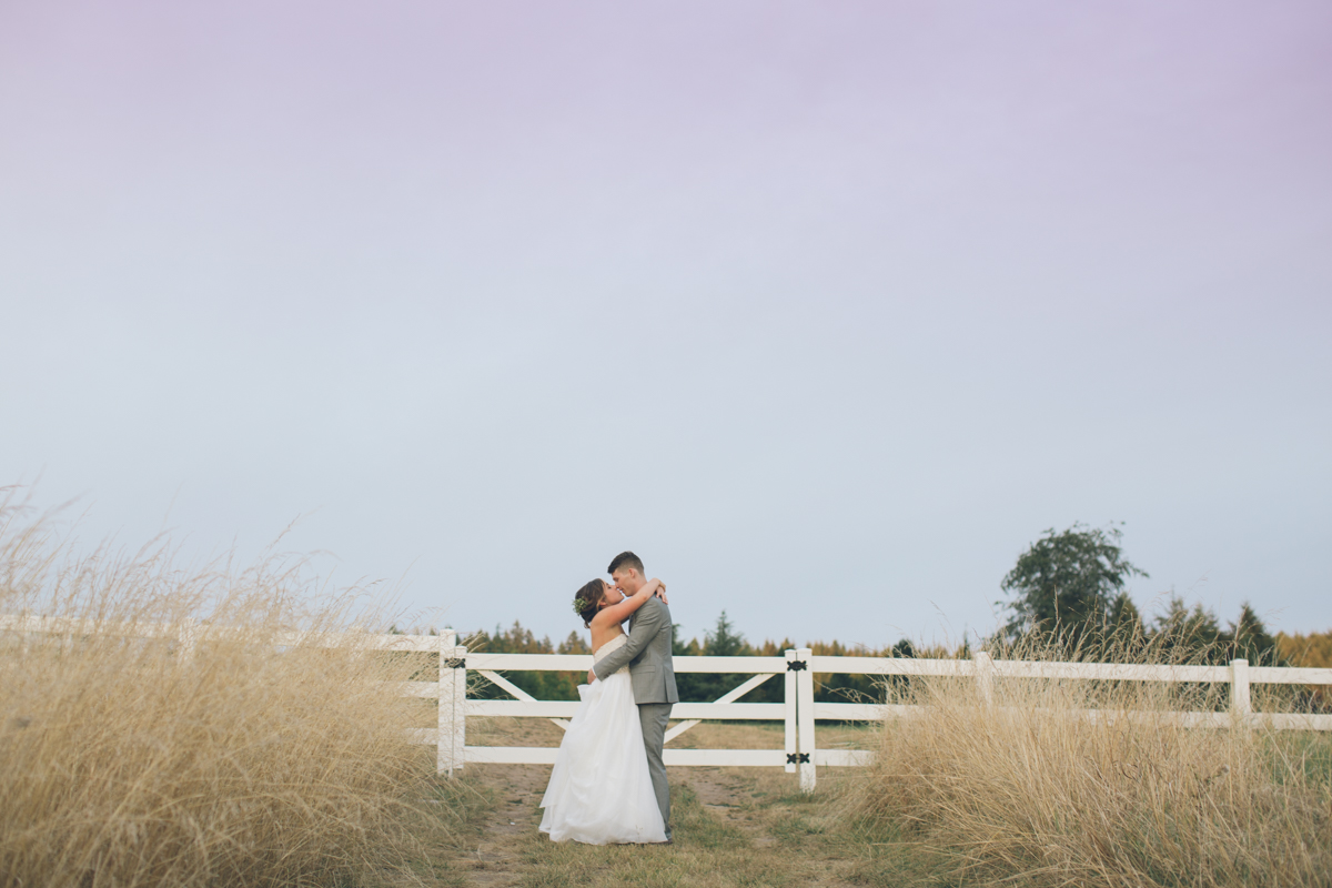 Barn Kestrel Oregon Wedding Sneak Peek