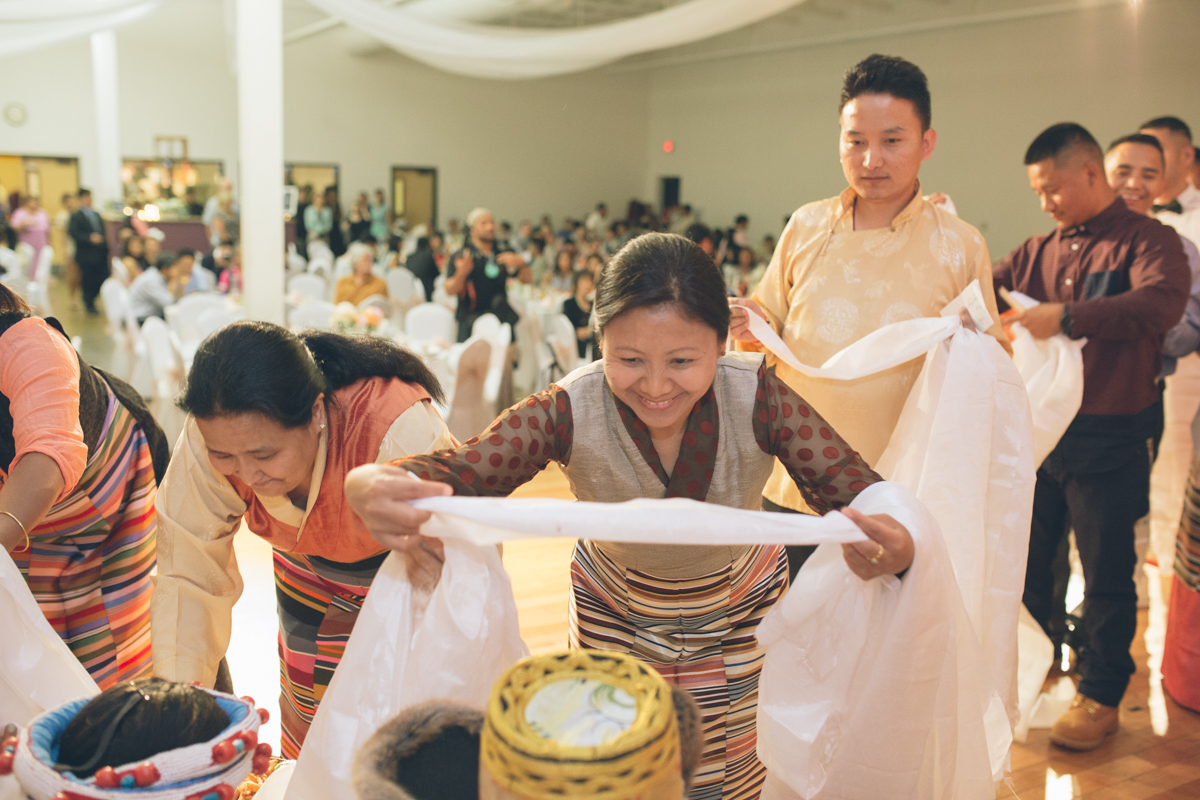 tibetan oregon wedding pictures