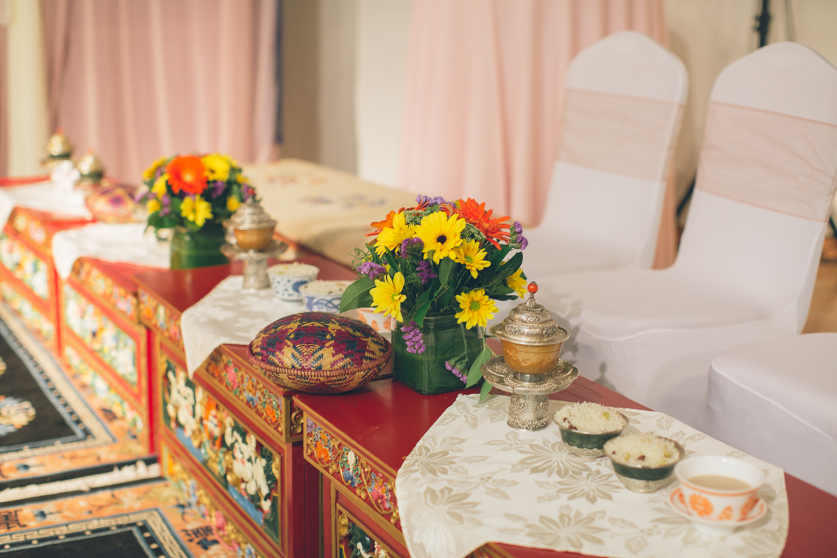 tibetan wedding sweetheart table decor