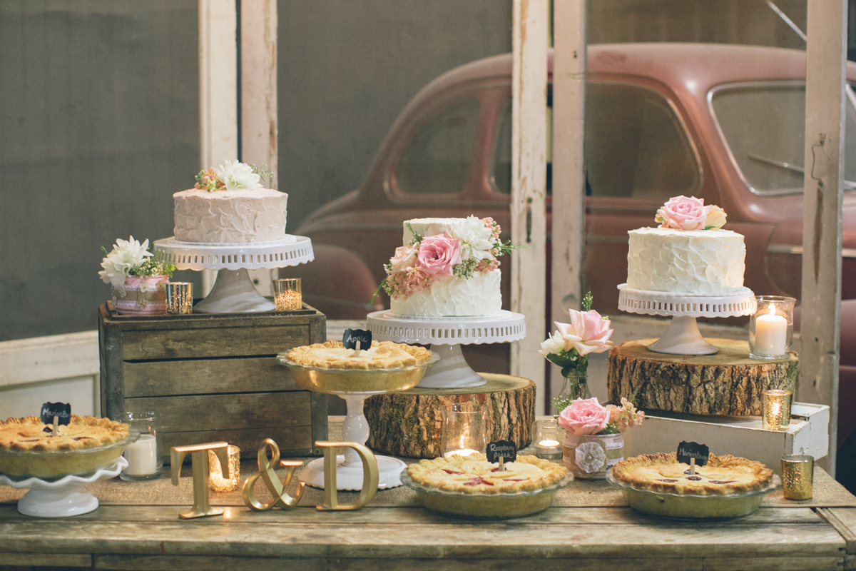 rustic barn wedding cake table