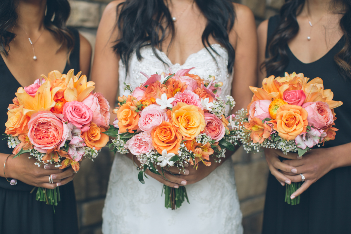 fall color wedding bouquets