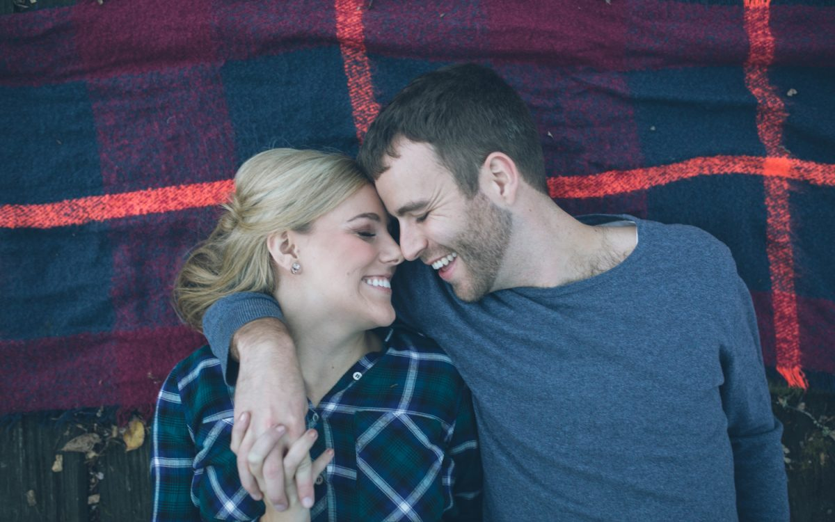 seattle couple engagement photos in portland