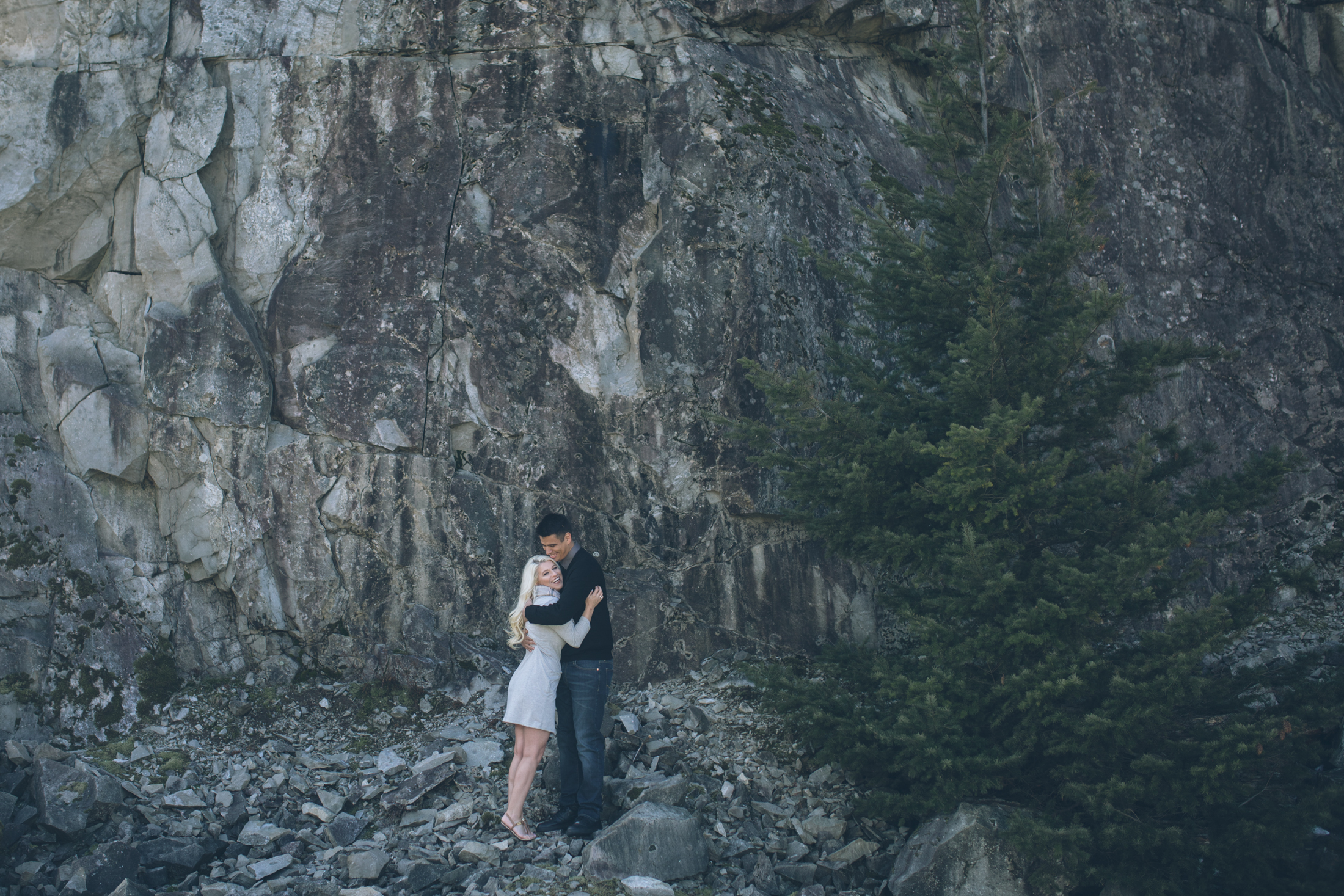 oregon engagement photos on government cove